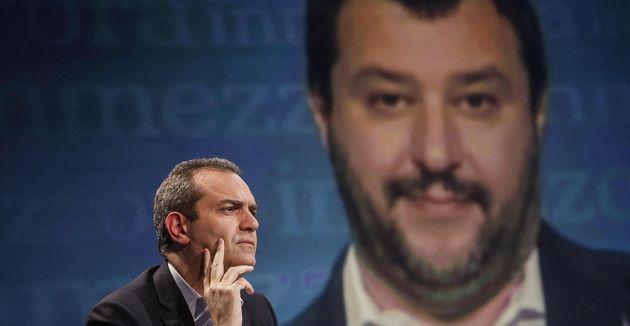Scontro De Magistris-Salvini su Napoli. Il sindaco:
