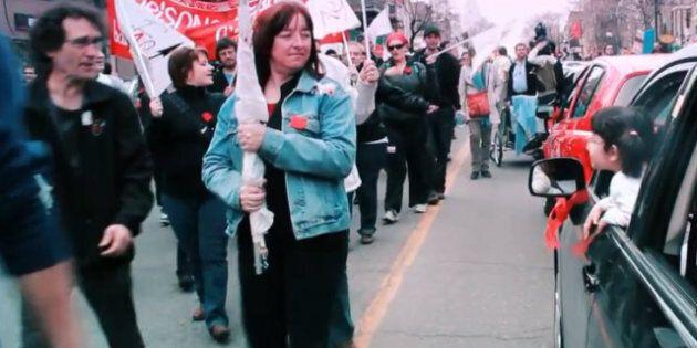 Conflit étudiant: manifestants près du Centre du commerce mondial à