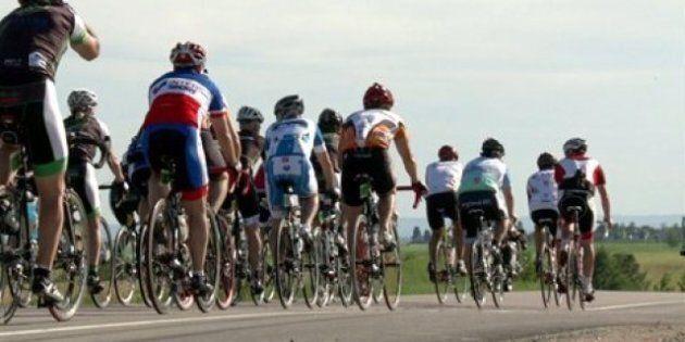 Quatre cyclistes blessés au Grand défi Pierre Lavoie, deux transportés à l'hôpital par