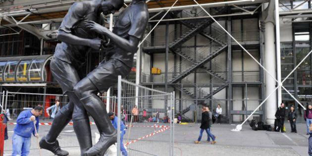 Une statue immortalisant le coup de tête de Zidane érigée à Paris