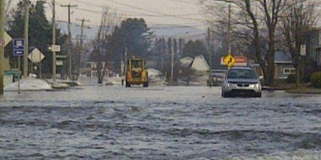 Crue des eaux: des centaines d'évacuations ordonnées dans