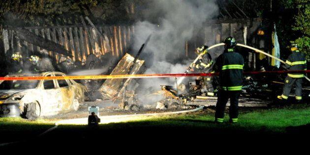 Trois cadavres ont été trouvés mardi dans un garage incendié à
