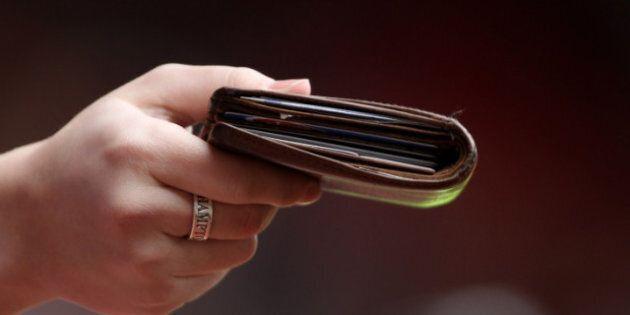 Le salaire minimum augmente à 9,90 $ au