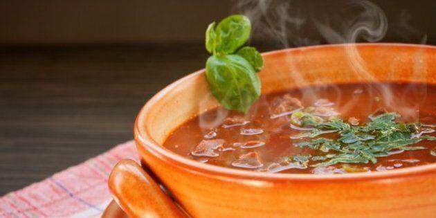 Jean Charest «sent la soupe chaude», selon le chef caquiste François Legault