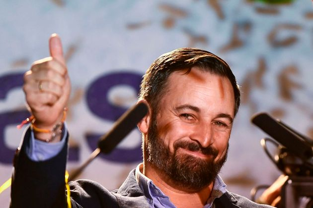 Ex cargos de Vox piden el voto para el PP de Casado porque el partido de Abascal es
