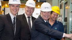Jean Charest «plugge» le Plan Nord lors de l'inauguration de la centrale
