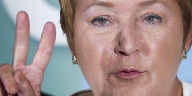 Pour se présenter aux élections, il faudra maîtriser le français, annonce Pauline