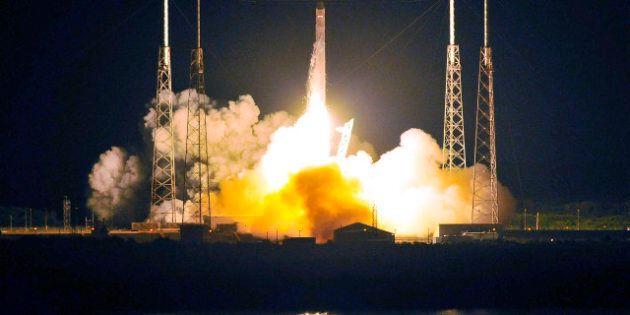 Lancement réussi de la fusée privée de SpaceX vers la Station spatiale