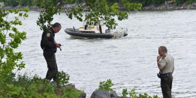 Un homme se noie dans la rivière