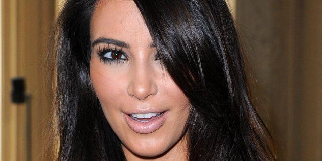Kim Kardashian sans maquillage: la star au naturel, dans la rue