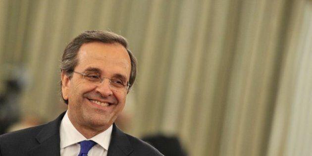 Grèce: Antonis Samaras obtient un mandat du parlement pour sa politique