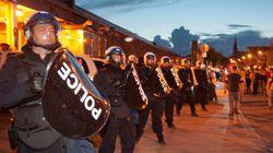 Les manifestants chargés à la