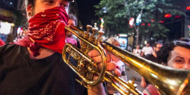 La 39e manifestation nocturne à Montréal s'amorce dans