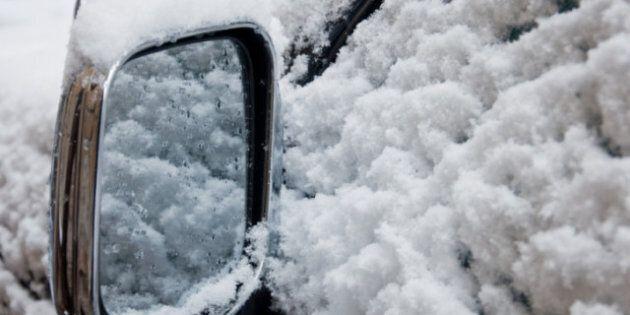 Suède: un homme est resté bloqué dans sa voiture pendant 2