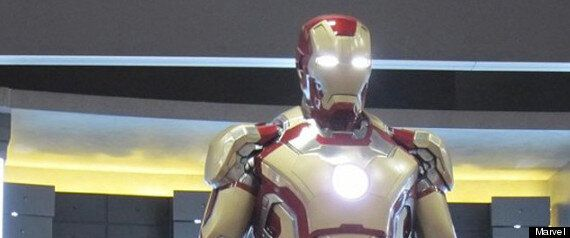 «Iron Man 3», Robert Downey Jr. présente la nouvelle armure du super-héros de Marvel lors au Comic Con
