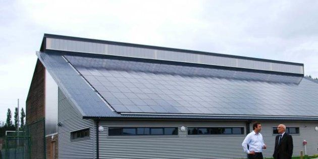 REPORTAGE. Comment les mesures d'austérité ont mis à bas l'industrie solaire en