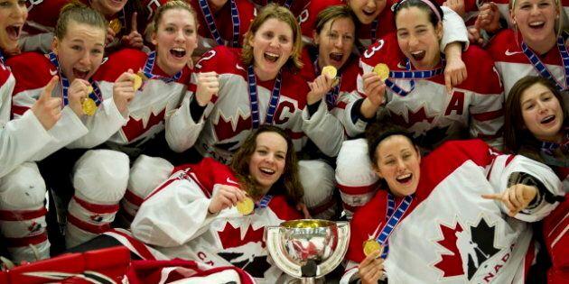 Hockey féminin: le Canada bat les États-Unis 5-4 en prolongation et remporte l'or au