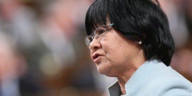 La ministre Bev Oda rembourse son séjour dans un palace londonien