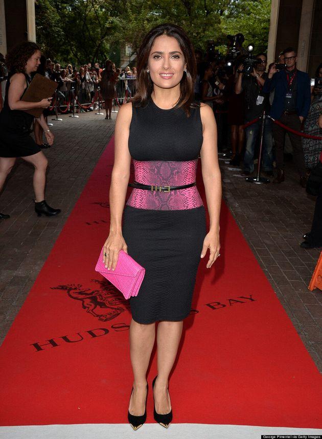 Salma Hayek est ravissante sur le tapis rouge du Festival du film de Toronto