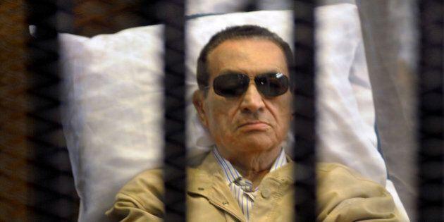 Égypte: procès pour meurtres dimanche de Moubarak et des chefs des Frères