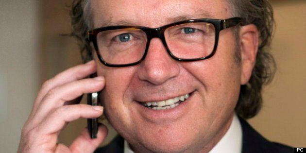 Le pdg de Québecor, Robert Dépatie, attaque vigoureusement la transaction