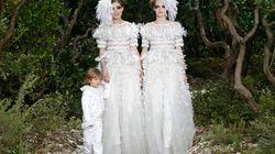 Un mariage gay lors du défilé de Chanel à la Semaine de la mode de Paris