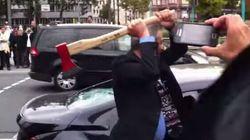 Mécontent du service client, il détruit sa voiture à la hache