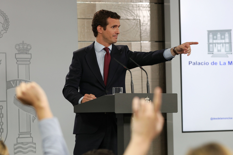 Conversiones moderadas a golpe de votos… al borde del