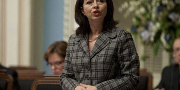 Intimidation à l'école: la ministre Line Beauchamp dépose son projet de