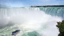Traverser les chutes Niagara sur un fil de