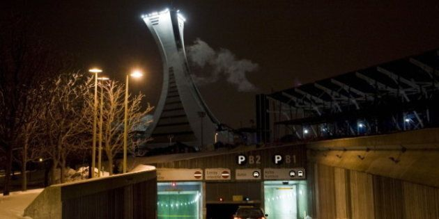 Stade olympique: un bloc de béton se détache du plafond dans un