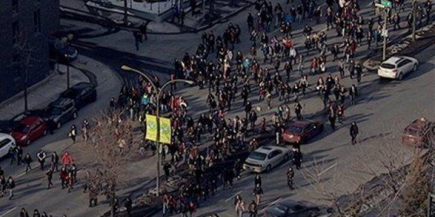 Grève étudiante: Manifestation houleuse qui tourne à