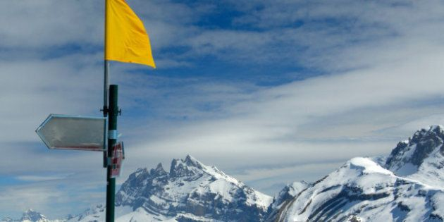 Avalanche en Colombie-Britannique: un mort et des