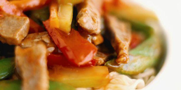 Baguettes et fourchettes 2: LE livre de recettes de cuisine asiatique au