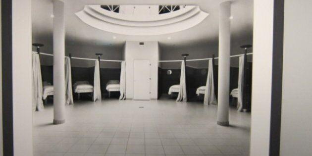 Lynne Cohen expose ses photographies au Musée
