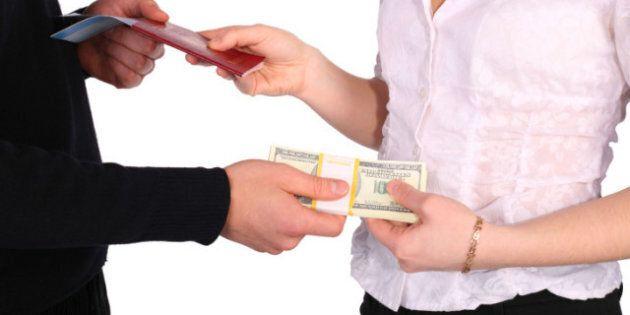 Pensions alimentaires: les ex-conjoints seront incités à s'entendre à