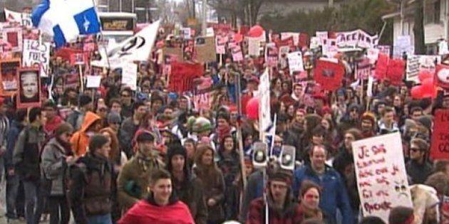 Grève étudiante: Manifestations à Sherbrooke et partout au