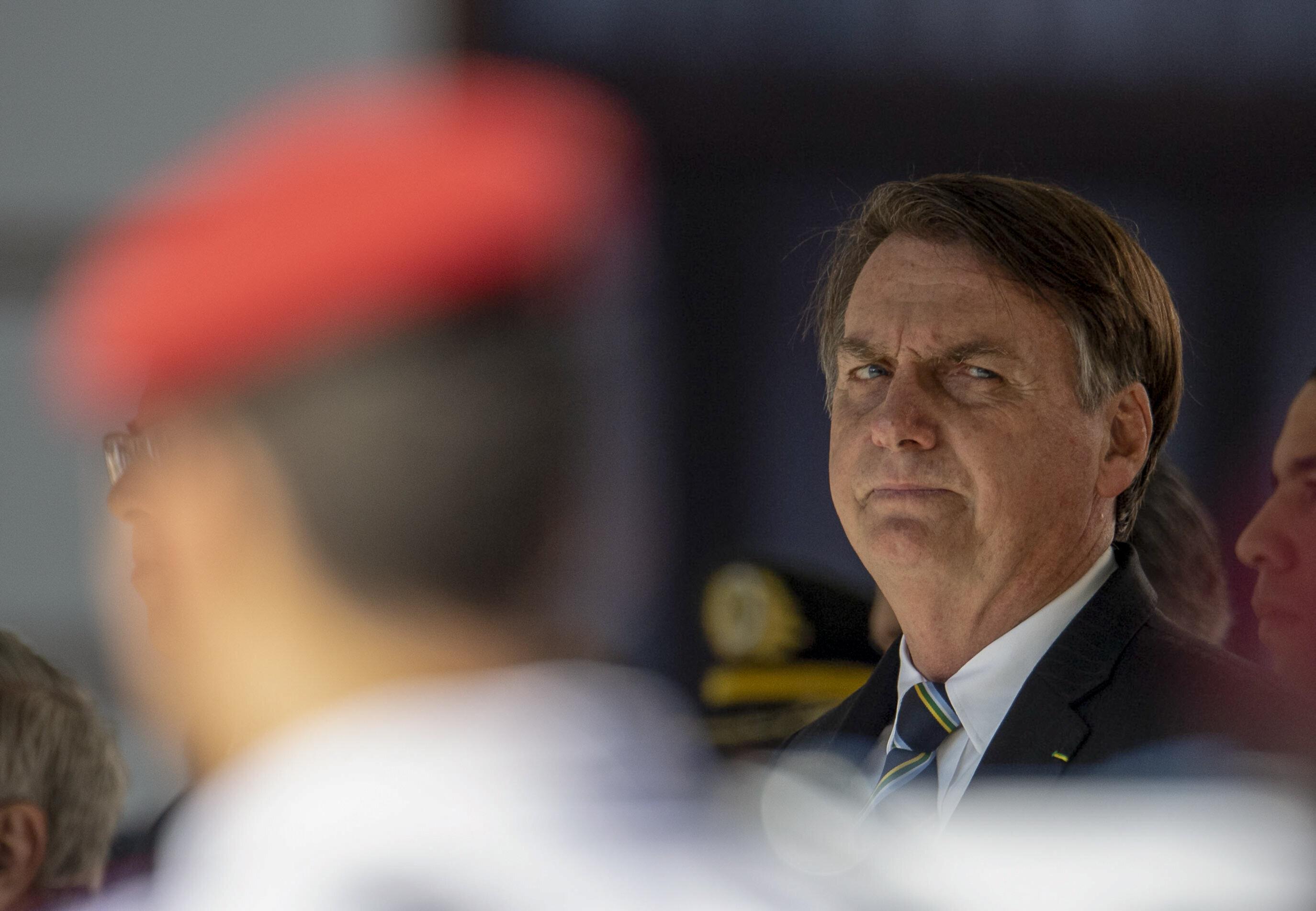 'Estamos numa guerra', diz Bolsonaro sobre ataques contra ministro Santos
