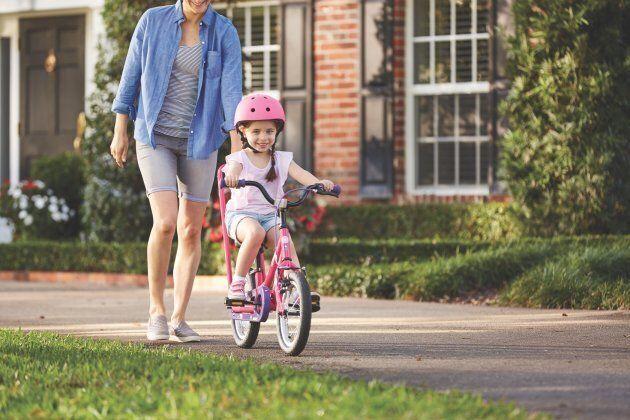Les choses à vérifier avant que vos enfants montent à vélo pour la première fois de