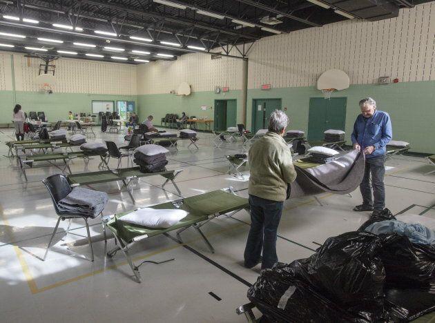Plusieurs personnes ont dû dormir dans des centres communautaires d'urgence à