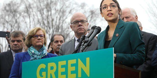 La nouvelle représentante démocrate au congrès, Alexandria Ocasio-Cortez (AOC), a fait du Green New Deal...