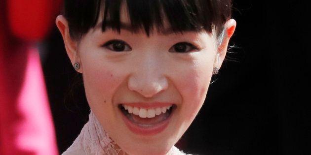 Étudiante en sociologie, Marie Kondo a fondé son entreprise d'organisation professionnelle à 19 ans. Pendant cinq ans, elle a été une «miko», c'est-à-dire l'assistante des prêtres et responsables de l'accueil dans un sanctuaire shintoïste.
