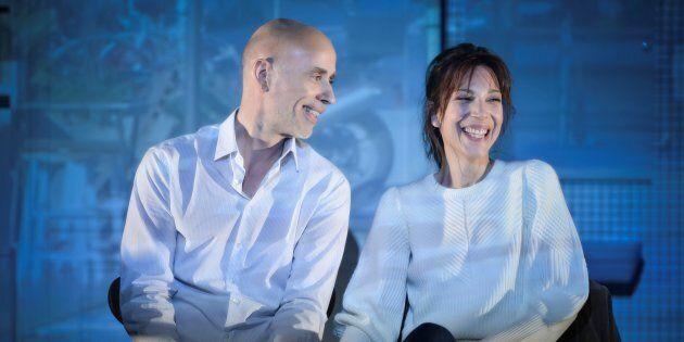 Dans cette version québécoise, ce sont James Hyndman et Évelyne de la Chenelière qui incarnent le couple...