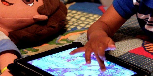 Une nouvelle étude montre que des enfants d'âge préscolaire qui ont été en contact avec des écrans pendant...
