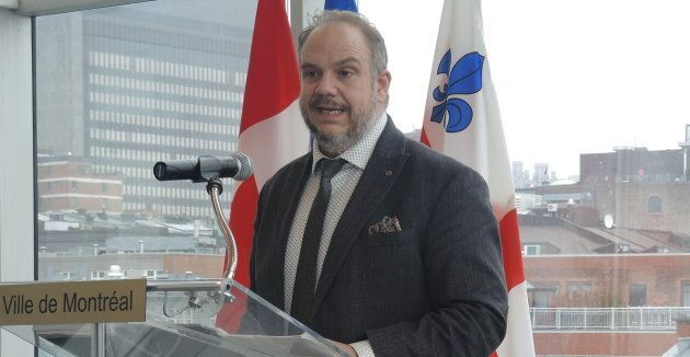 Benoit Dorais, vice-président du comité exécutif et responsable des finances, présente le rapport financier...