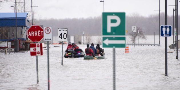 La rue Jacques-Cartier est complètement inondée à