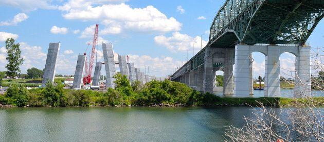 La déconstruction de l'ancien pont libérera sept hectares de berges sur la Rive-Sud et à Montréal.
