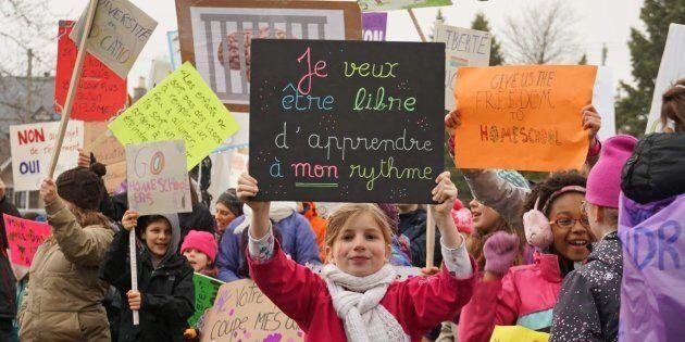 Selon le rapport du Protecteur du Citoyen sur la scolarisation à la maison, les parents optent en majorité...