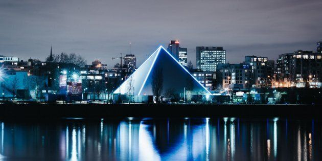 Voici ce qui se passera la nuit dans la mystérieuse pyramide de Guy