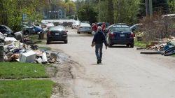 Inondations: la situation s'améliore, mais les sinistrés restent